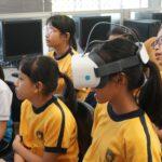 學生體驗VR